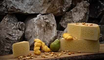 cheese-1702573_1920