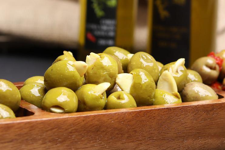 Produkt Oliwki zielone nadziewane migdałami - zdrowa żywność blisko Ciebie